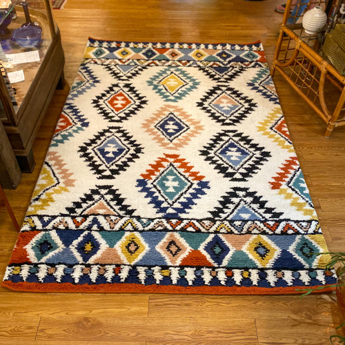5' x 8' Wool Tufted Rug, Multi color