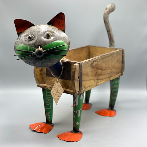 Recycled Iron Cat w/Brick Mould