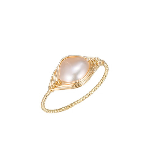 Ladies Ellipse Shape Pearl Gold Plated Ring