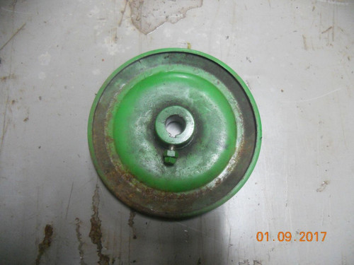 John Deere 526,726, 826 Traction Drive Pulley PT# M45189