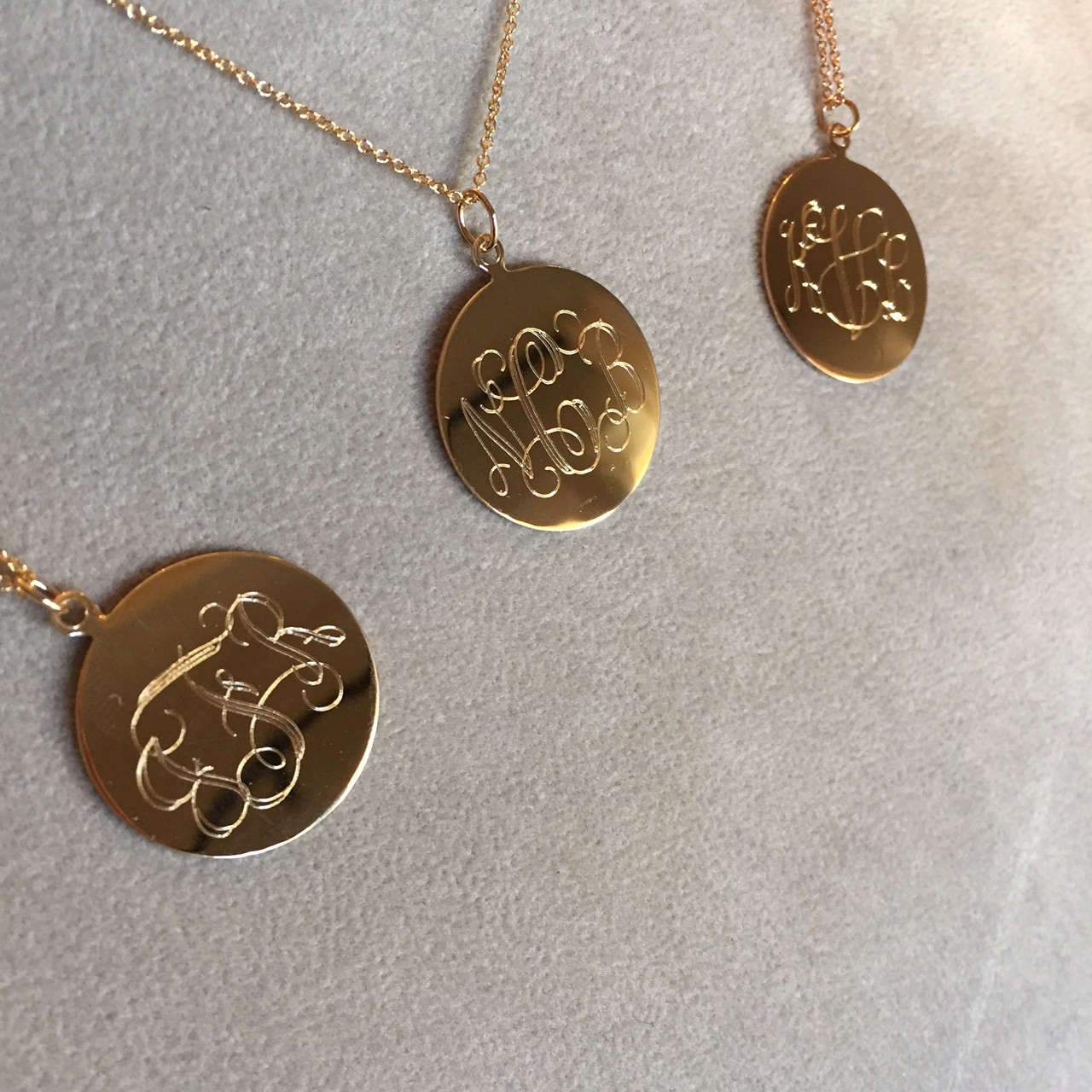 14k Gold Large Disc Pendant Necklace