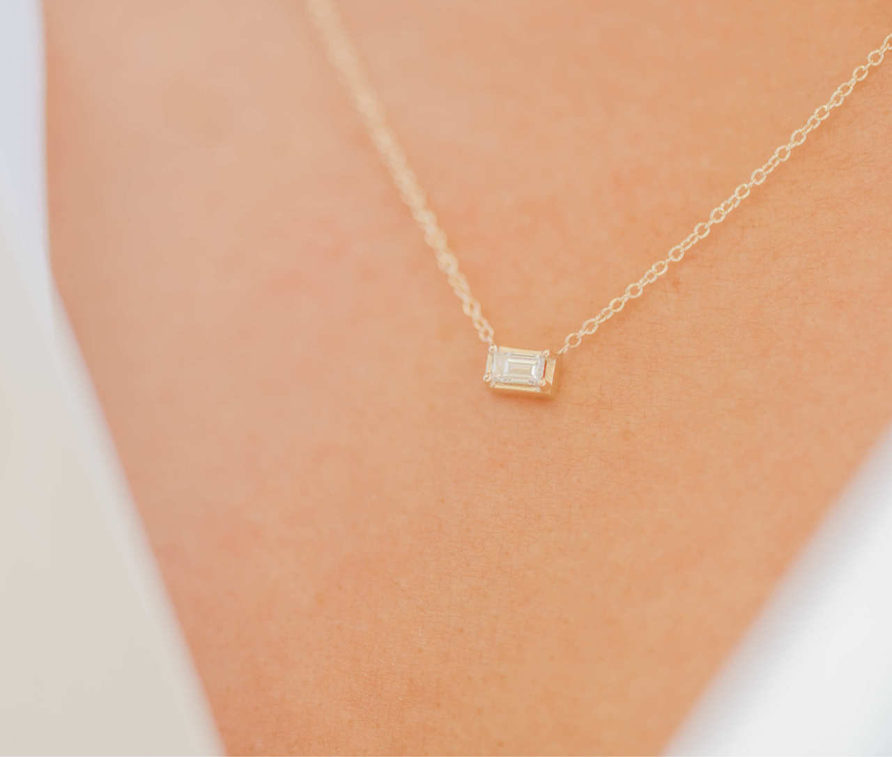 Diamond Baguette Prongs Necklace
