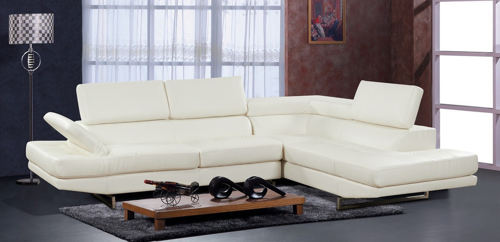 2 PCS LUIS WHITE SECTIONAL WITH ACCENT PILLOWS (LEFT FACING SOFA) - F18W
