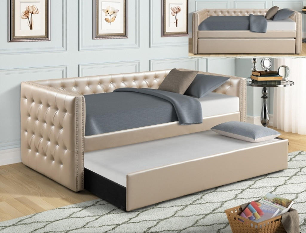 TRINA PEARL DAYBED