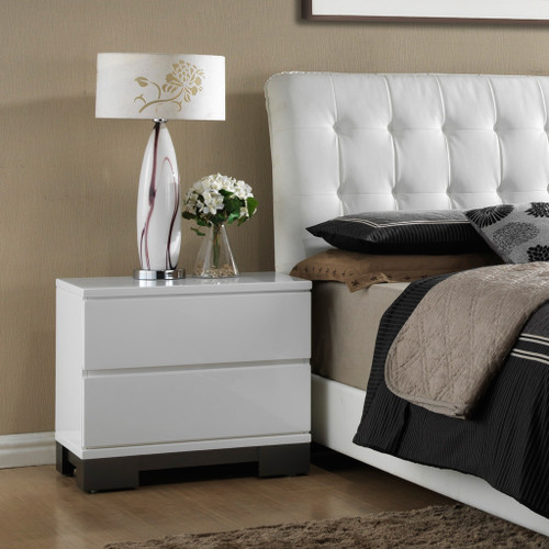 AVERY NIGHT STAND-B4850/2