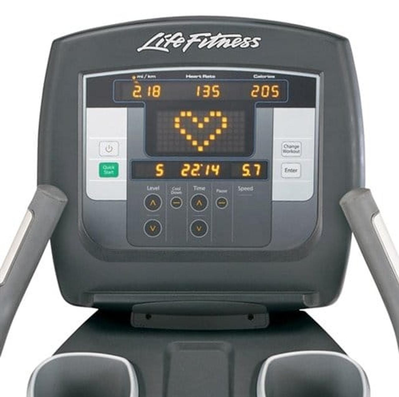 Life Fitness 95c Achieve Console