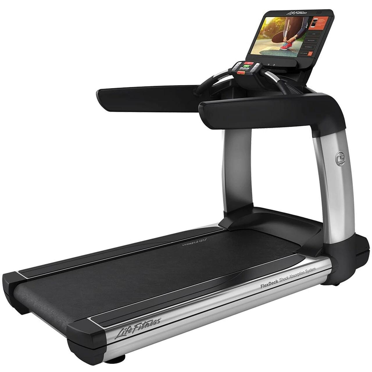 Life Fitness Discover SE3 Treadmill