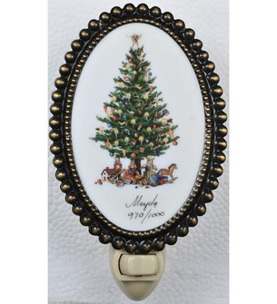 3.5 inches W Christmas Christmas Tree Fused Oval Night Light (107252)