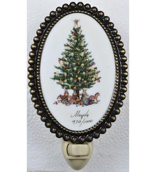 3.5''W Christmas Christmas Tree Fused Oval Night Light (96|107252)