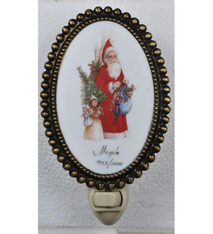 3.5 inches W Christmas For the Love of Santa Fused Oval Night Light (107253)