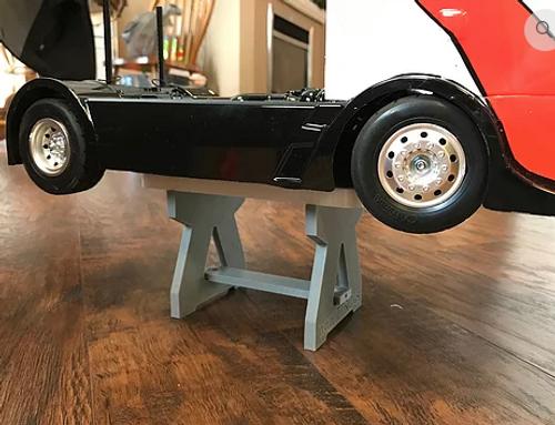 Car Stand w/ Shock Shelf - 10th Scale