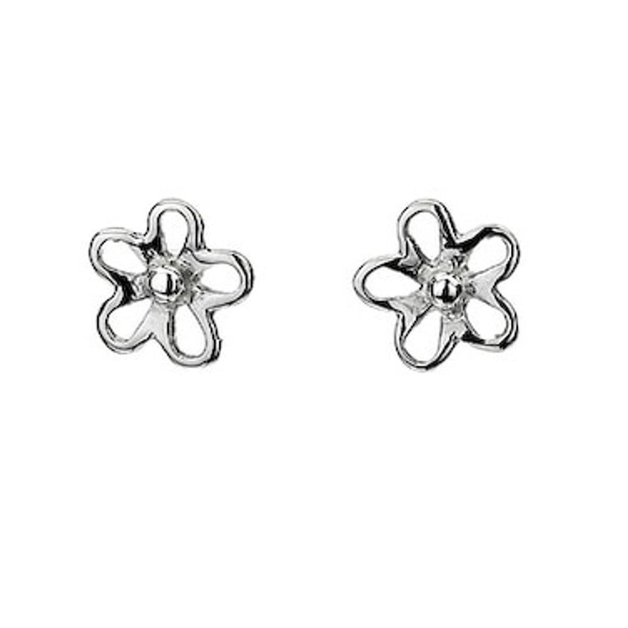 Silver Daisy shaped Stud Earrings