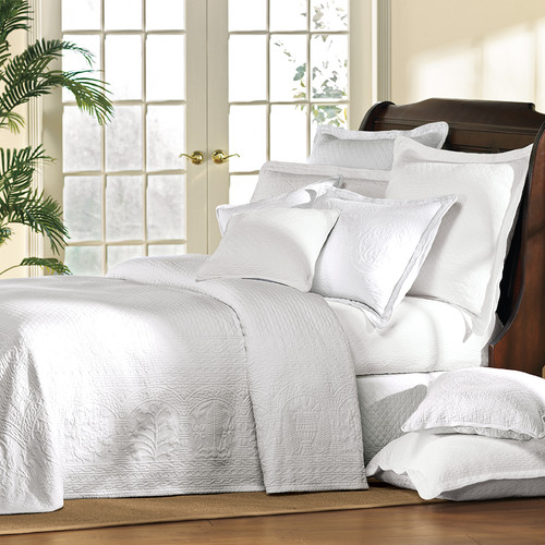 White William and Mary Bedding