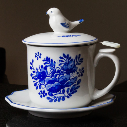 Delft Garden Covered Mug with Strainer