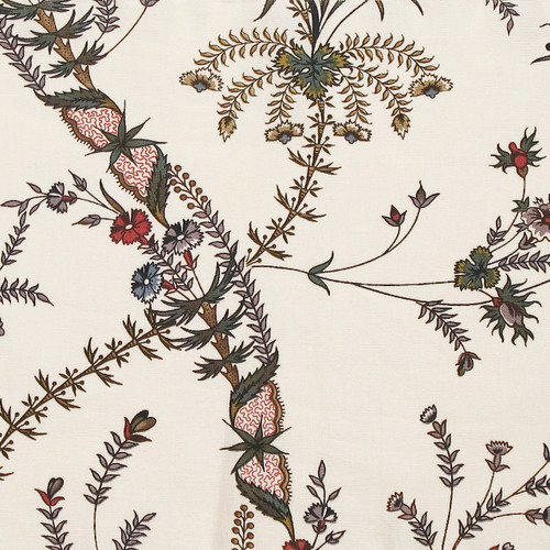 Colonial Williamsburg Reproduction Fabric - Wavy Floral 100% Cotton Fabric - Fabric Detail