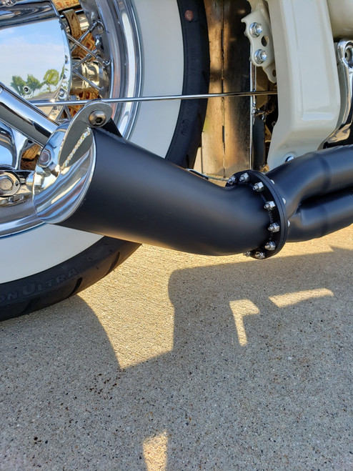 Blacksmith Motoring Boulevard Brawler Bully Dog Exhaust System Suzuki C50, Volusia VL800  shown with optional trucker cap and blow out heat shield