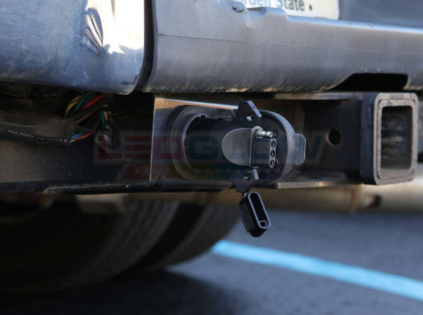 7 Pin to 4 Pin Tailgate Trailer Adapter Installed to Ford-F250