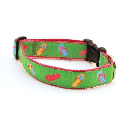 Flip Flops on Green (Narrow Collar)
