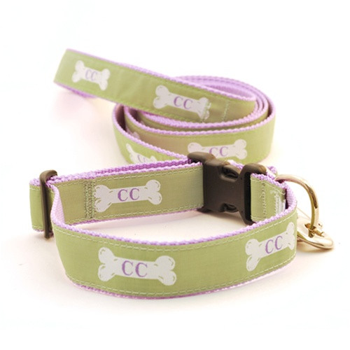 Cape Cod Dog Bone on Light Green (Narrow Leash)