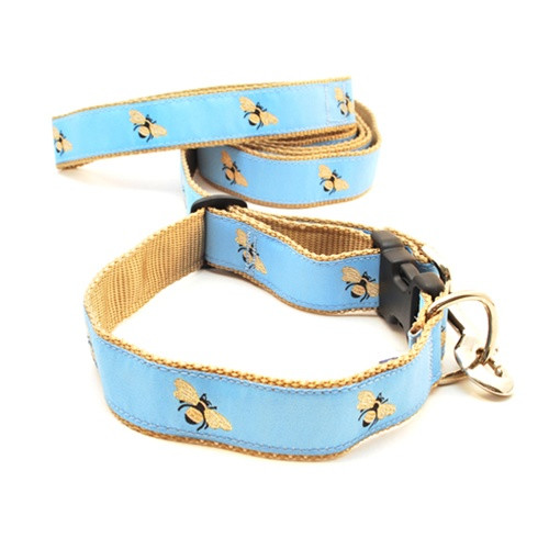 Bumble Bee on Sky Blue (Narrow Collar)