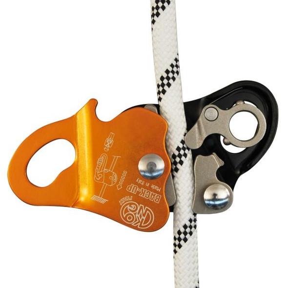 Kong Back-up Locking Device with Ovalone Carbon Twist Lock ANSI w/Lanyard