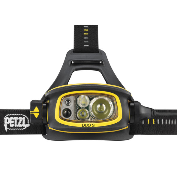 The headlamp offers five lighting modes that adapt to any situation and has the FACE2FACE anti-glare function that allows users to face each other without blinding one another