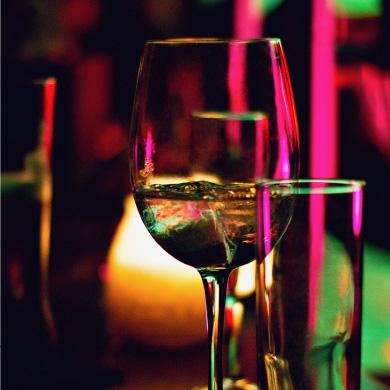 Bar and drinkware
