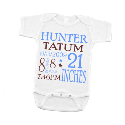 Introduce your baby to the world with our Baby announcement onsies!  Perfect first photos and keepsake! Come in 0-3 months size We Normally do blue and chocolate brown for boys and Hot pink and black for girls.  Let us know in the comment section if you would like different colors. Congrats!