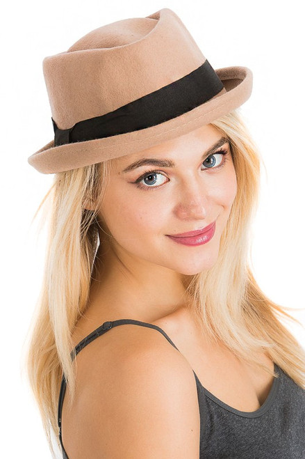 Cap Zone Flat Black Band Detailed Solid Colored and Curved-Up Brimmed Wool Fedora