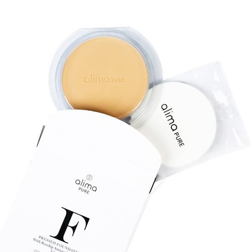 A refill for our Pressed Foundation with Rosehip Antioxidant Complex. Includes one pressed powder pan and one replacement sponge to slip into our magnetized refillable pressed powder compact. Pressed Foundation with Rosehip Antioxidant Complex is a lightweight pressed mineral powder with a velvety, matte finish in a refillable compact for easy, on-the-go application with a soft sponge applicator. Pressed Foundation is formulated with finely milled rice and mica powders to provide even, buildable coverage.