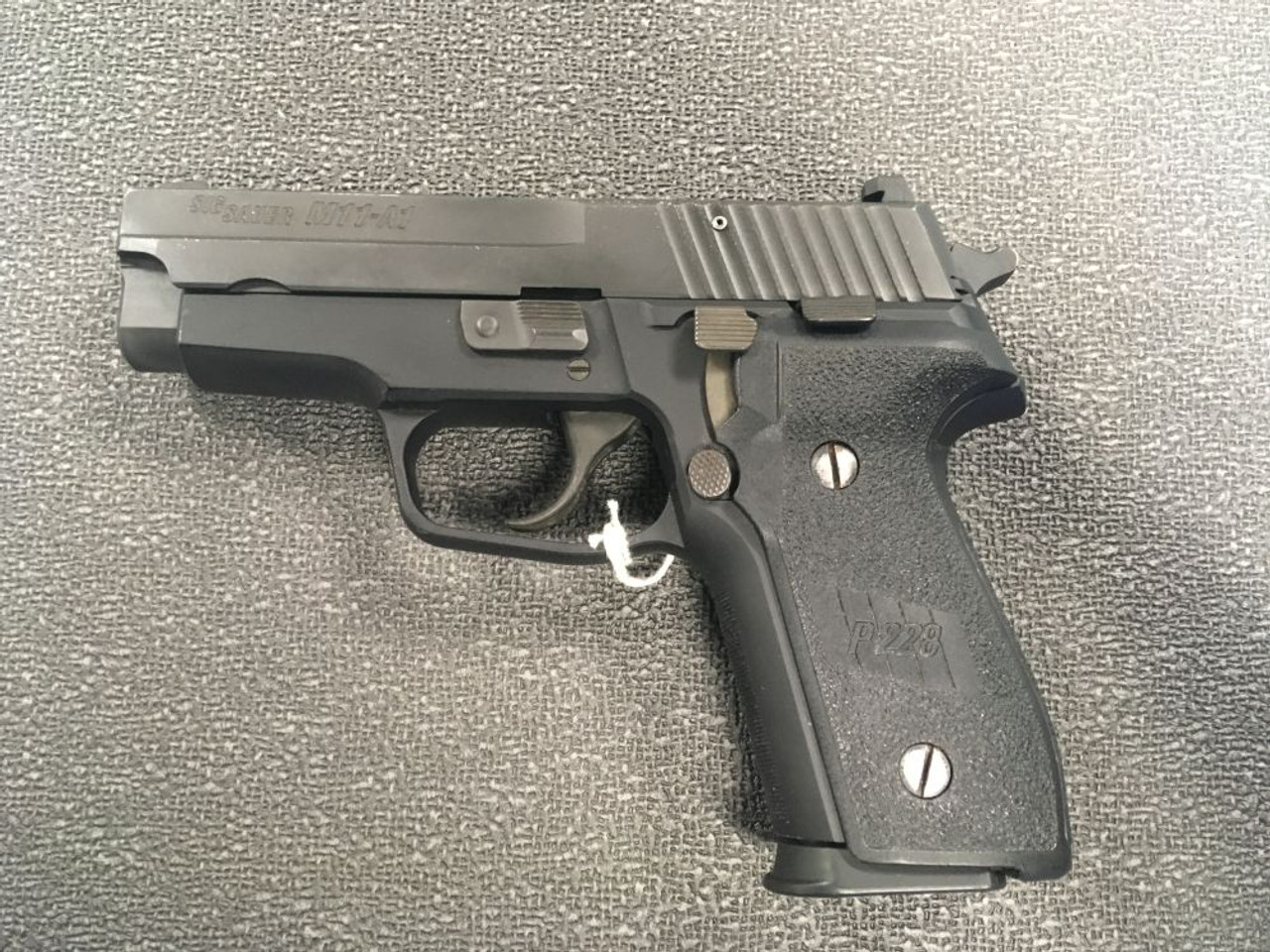 Sig Sauer M11-A1 - 9mm - used