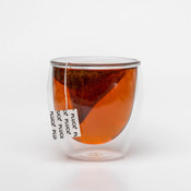 Pluck Tea – 'AFTER DINNER MINT' Rooibos tea steeping in a glass