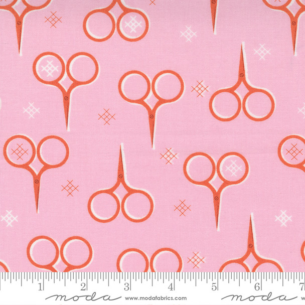 Iris Vintage Sewing Scissors - Make Time Moda Fabrics quilt cotton QTR YD