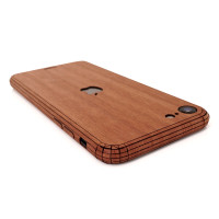 Toast wood iPhone SE (2nd gen) cover in lyptus.