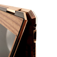 Toast HP Spectre wood cover in walnut, screen detail.