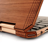 Toast HP Spectre wood cover in lyptus, detail.
