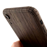 iPhone XR cover in ebony, detail.