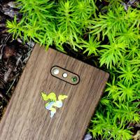 Razer Phone 2 wood cover