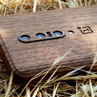 OnePlus 7 Pro wood cover
