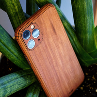 Toast iPhone 11 Pro wood cover in lyptus.