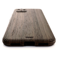 Toast Pixel 4 wood cover in ebony, detail.