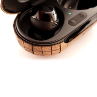 Toast wood cover for Samsung Galaxy Buds, detail.