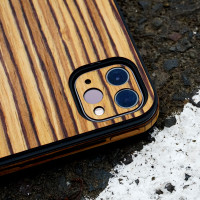 Toast wood cover for Magic Keyboard in zebrawood, detail.