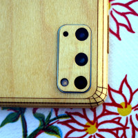 Samsung S20 with wood Toast cover in maple.