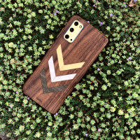 Samsung S20 Toast cover in walnut with chevron inlay.