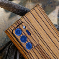 Toast cover for Samsung Note20 Ultra in zebrawood, detail.