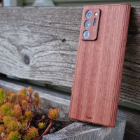 Toast cover for Samsung Note20 Ultra in lyptus, detail.