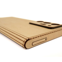 Toast wood cover for Samsung Note20 Ultra in maple, detail.