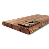 Toast wood cover for Samsung Note20 Ultra in rosewood, detail.