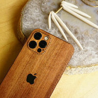 Toast wood cover to Apple iPhone 12 Pro in lyptus.